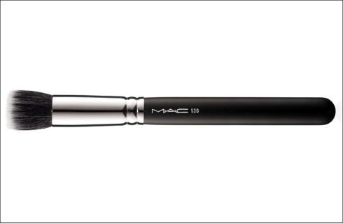 M·A·C's #130 Short Duo Fibre Brush