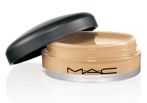 """M·A·C PRO Lip Erase """"Pale"""""""