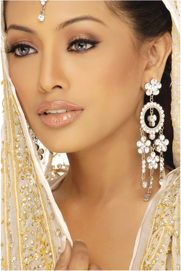 Bronzy Bridal Make-up Look 1