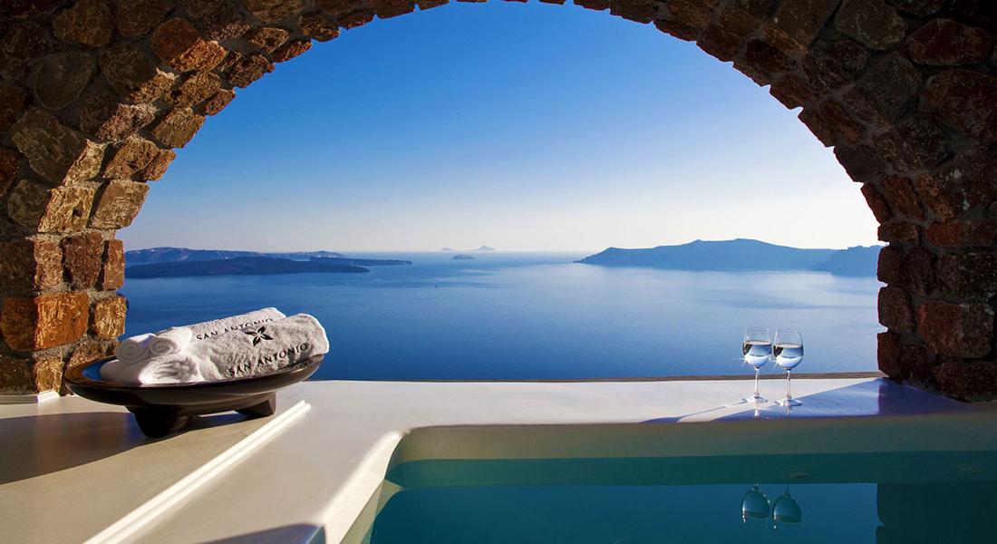 The Rocks Boutique Hotel Santorini