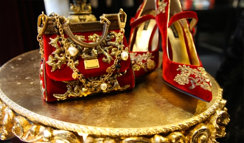 dolce-gabbana-fall-winter-2013-baroque-collection-christmas-2012-displays-mary-janes-red