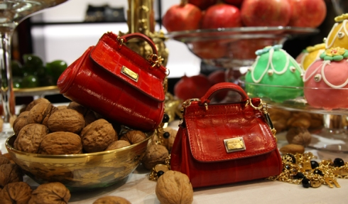 dolce-gabbana-fall-winter-2013-baroque-collection-christmas-2012-displays-red-mini-sicily