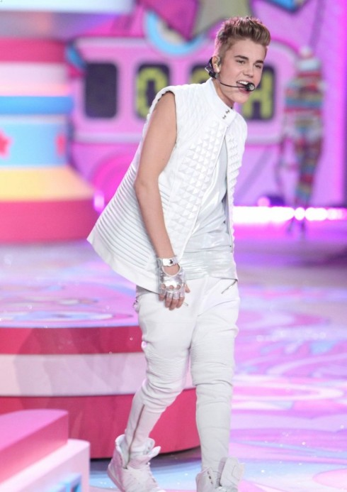 Justin Bieber at Victoria's Secret Fashion Show 2012-09