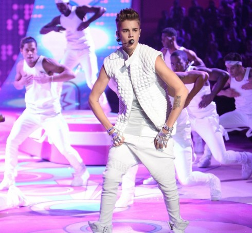 Justin Bieber at Victoria's Secret Fashion Show 2012-14