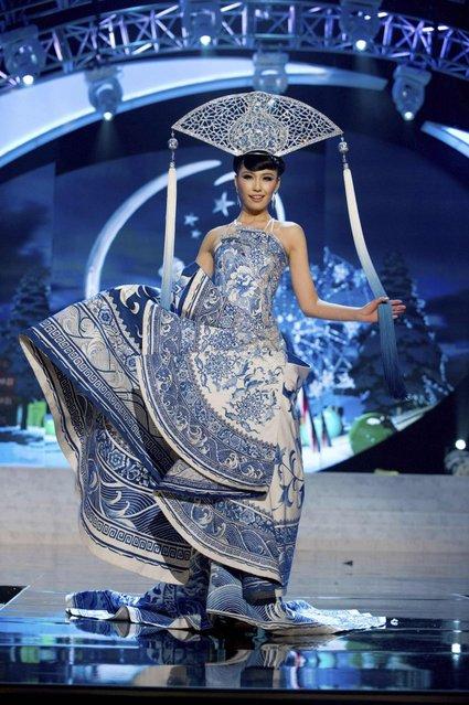 Miss Universe China 2012 Ji Dan Xu in National Costume