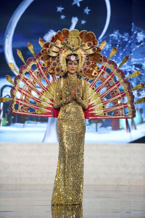 Miss Universe Sri Lanka 2012 Sabrina Herft in National Costume