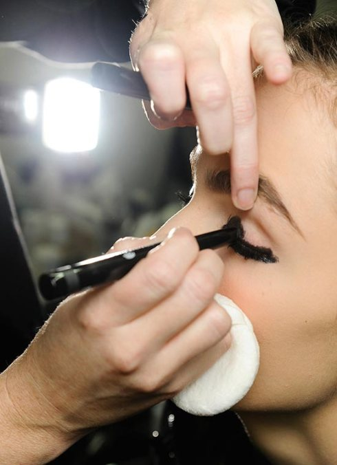 chanel-spring-2013-couture-backstage-makeup