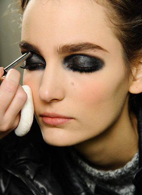 Chanel Makeup Brushes New Design: Chanel Spring 2013 Couture Show Make-up