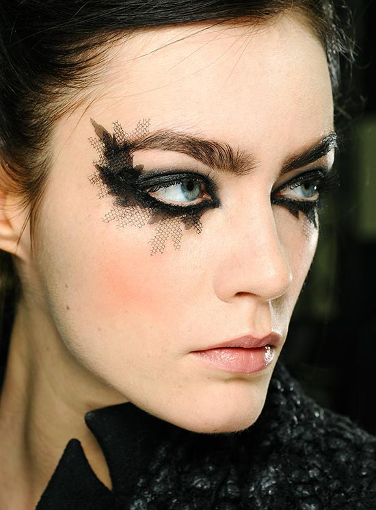 Chanel Spring 2013 Couture Show Make-up