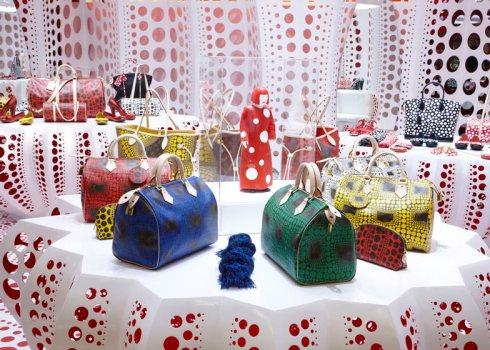 dezeen_Louis-Vuitton-and-Kusama-concept-store-at-Selfridges_ss_11