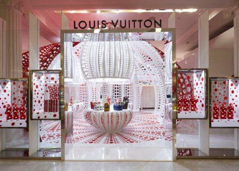 dezeen_Louis-Vuitton-and-Kusama-concept-store-at-Selfridges_ss_5