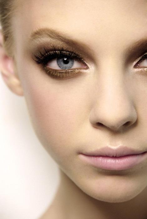 Makeup 101: Smokey Eyes On Narrow-Set Eyes