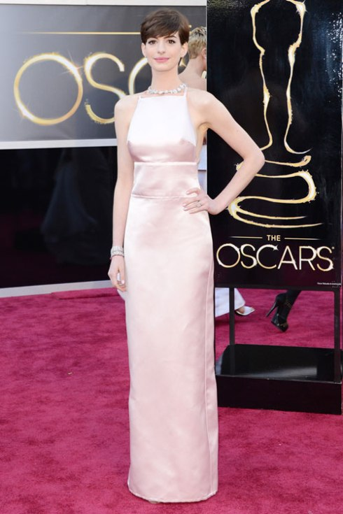 hbz-oscar-2013-best-dressed-Anne-Hathaway-lgn