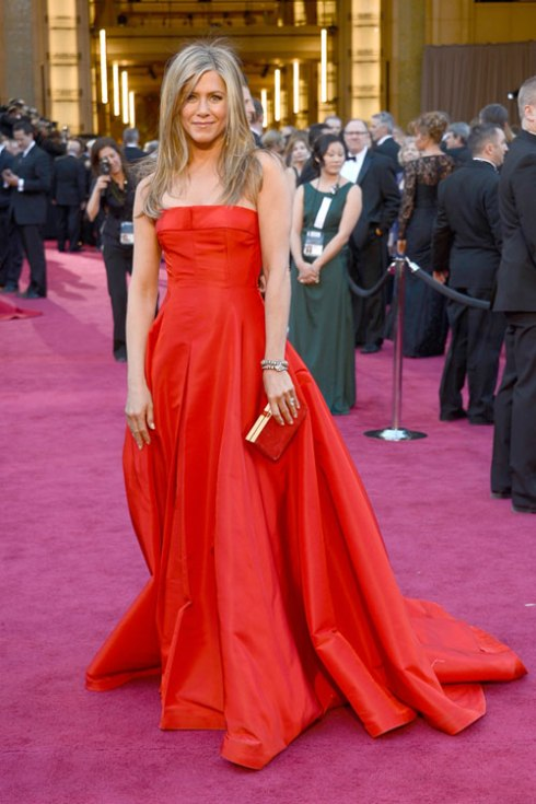 hbz-oscar-2013-best-dressed-jennifer-aniston-lgn