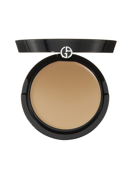 Giorgio Armani Maestro Fusion Makeup Compact packs all the smarty-pants face-perfecting science that made the liquid makeup, an Allure 2012 Breakthrough, into an awesome spillproof compact.