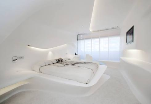 First floor. Sinuous lines, fluid spaces by Zaha Hadid