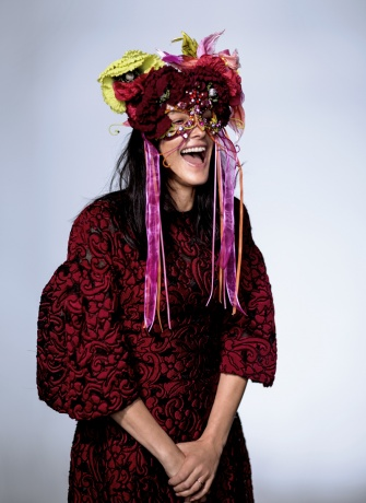 Dolce & Gabbana mask worn by Tabitha Simmons