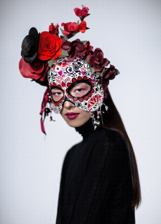 Eloise Corr Danch mask worn by Fei Fei Sun