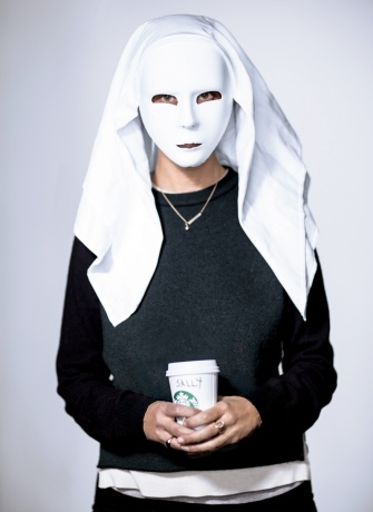 Hussein Chalayan mask worn by Vogue's Sally Singer
