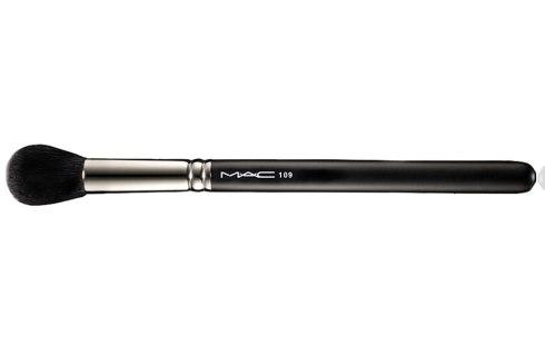 M·A·C #109 Small Contour Brush