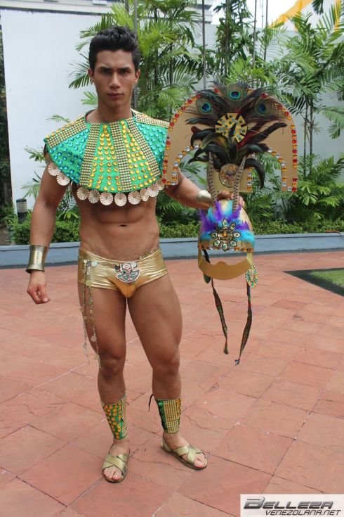 NATIONAL COSTUMES - PERU