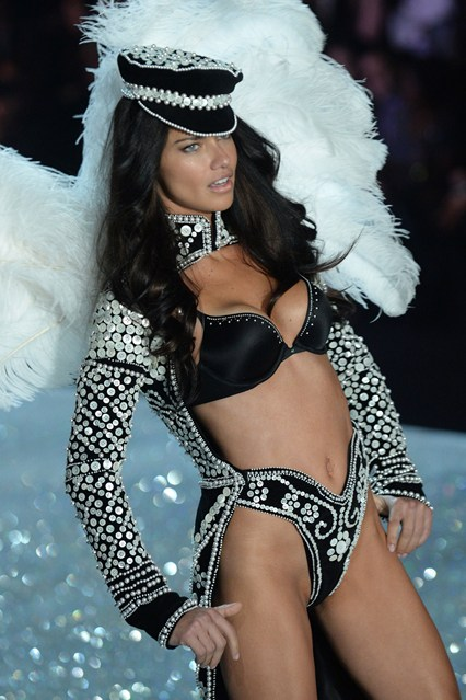 victorias-secret-British Invasion-Adriana Lima2