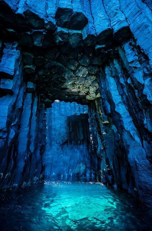 澎湖西吉嶼著名海蝕洞 灶籠