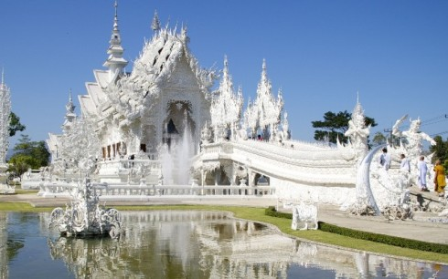 The-White-Temple-Chiang-MaiThailand-1050x1680