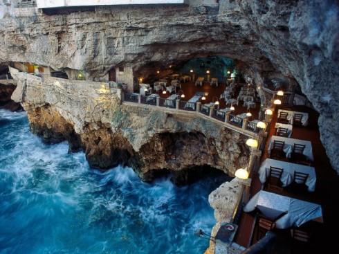 3. Ristorante Grotta Palazzese,意大利 (Puglia, Italy)