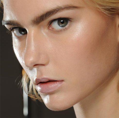 alberta-ferretti-spring-2012-dewy-makeup
