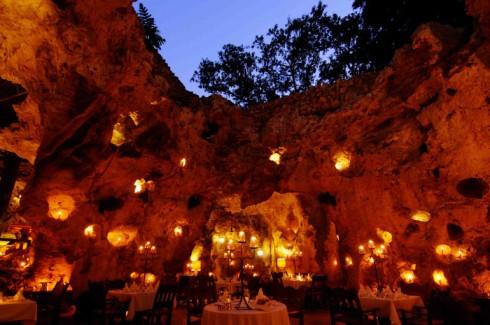 Ali Barbour's Cave Restaurant,肯雅