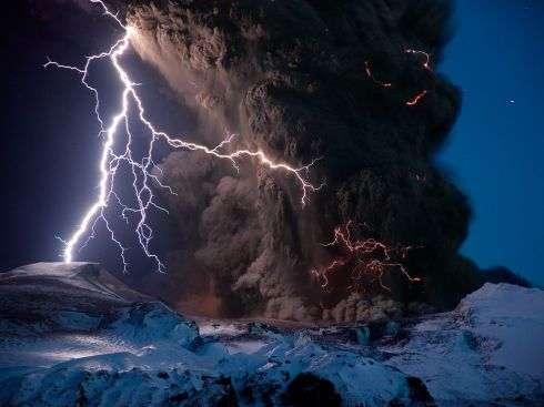 "Volcanic Lightning aka ""Dirty thunderstorms."""