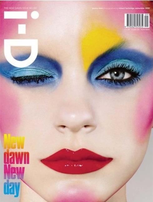 Pat McGrath為《i-D》雜誌2004年9月號封面名模Jessica Stem打造妝容,用色大膽,無時間性,也因此被該雜誌評選為創刊以來的35大封面。(圖/WWD)